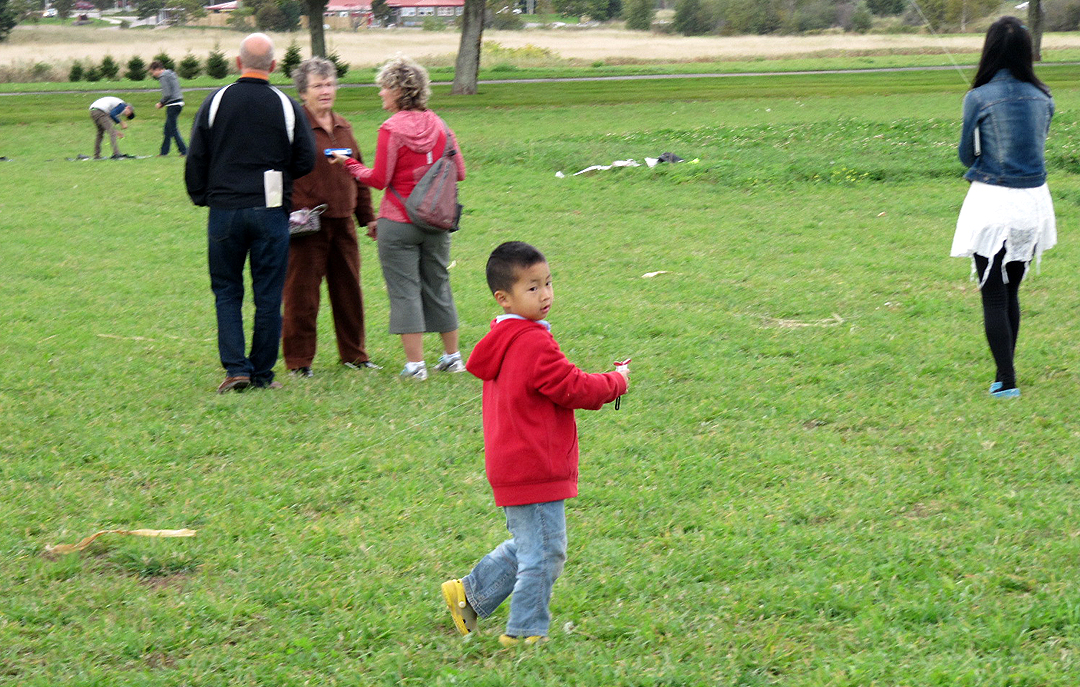 KITE FLYING (Laura Lee Lane etc) Oct 5 2014